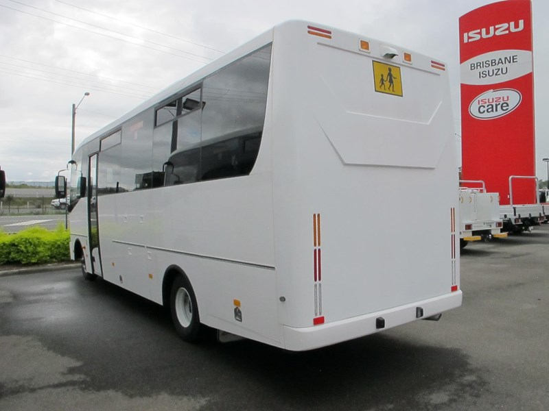 isuzu i-bus 34 seater school bus 703553 005