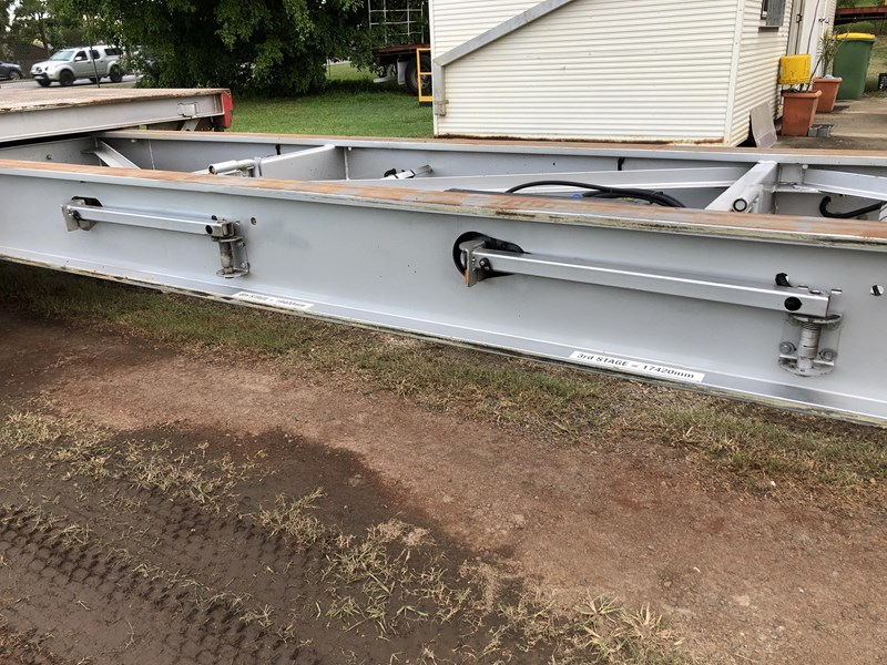 maxitrans 45ft drop deck extendable with ramps 704430 061