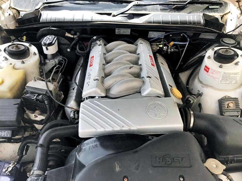 holden hsv 706702 009