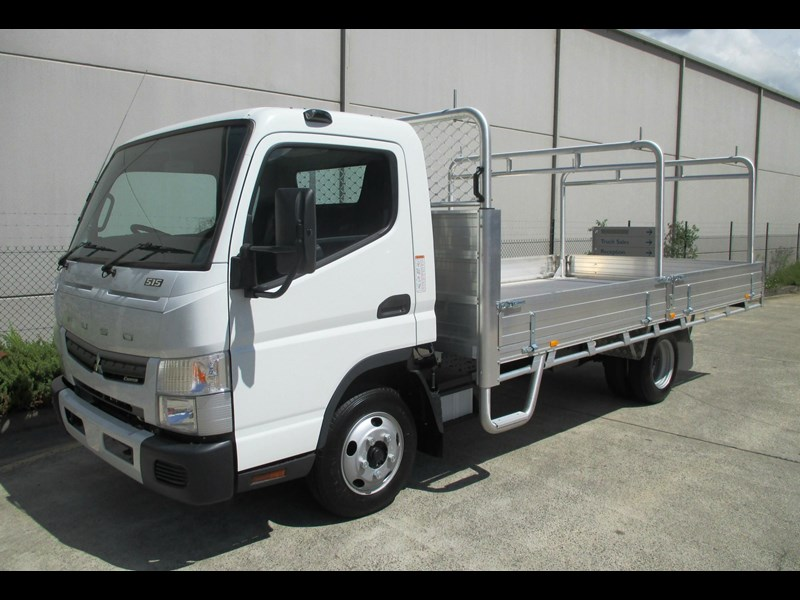 fuso canter 698477 001