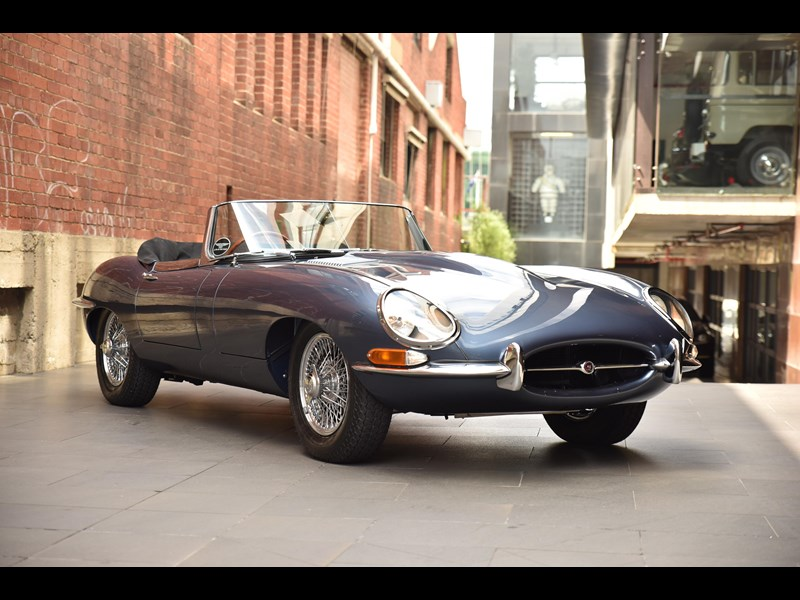 jaguar e-type 706370 011