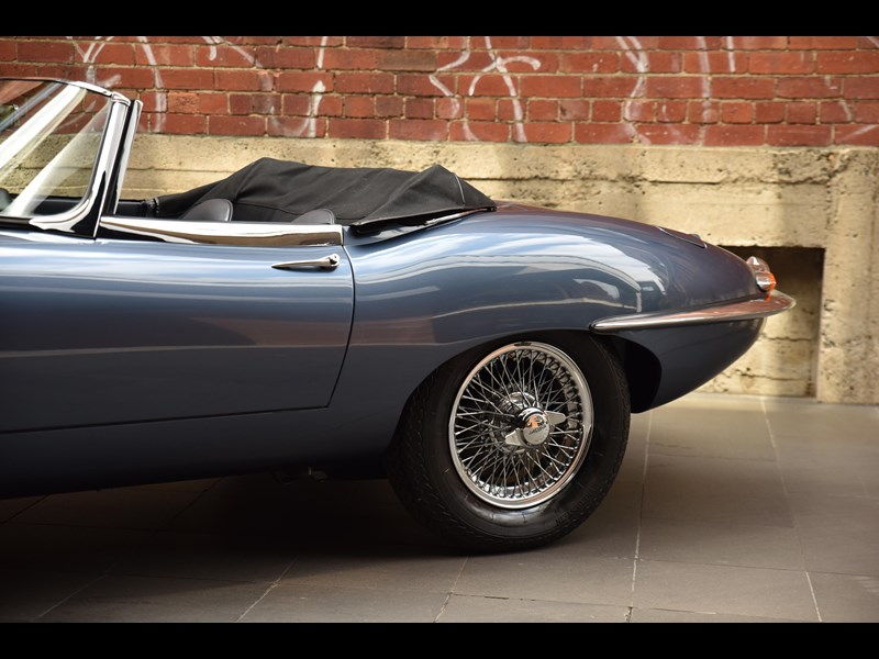 jaguar e-type 706370 019