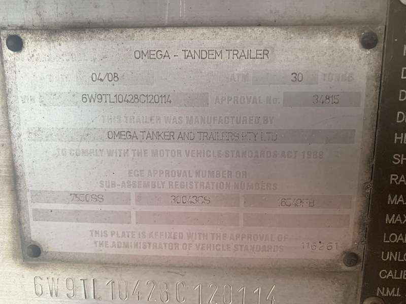 marshall lethlean & other brands - triaxle aluminium fuel tanker 230064 009