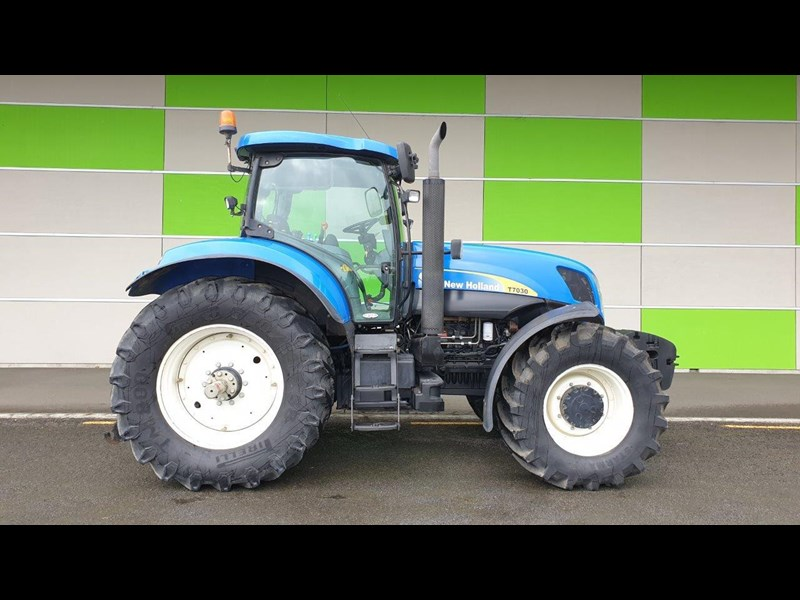 2008 NEW HOLLAND T7030 for sale
