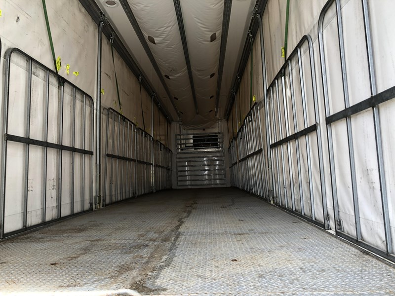 maxitrans b double refrigerated curtainsider 709533 053