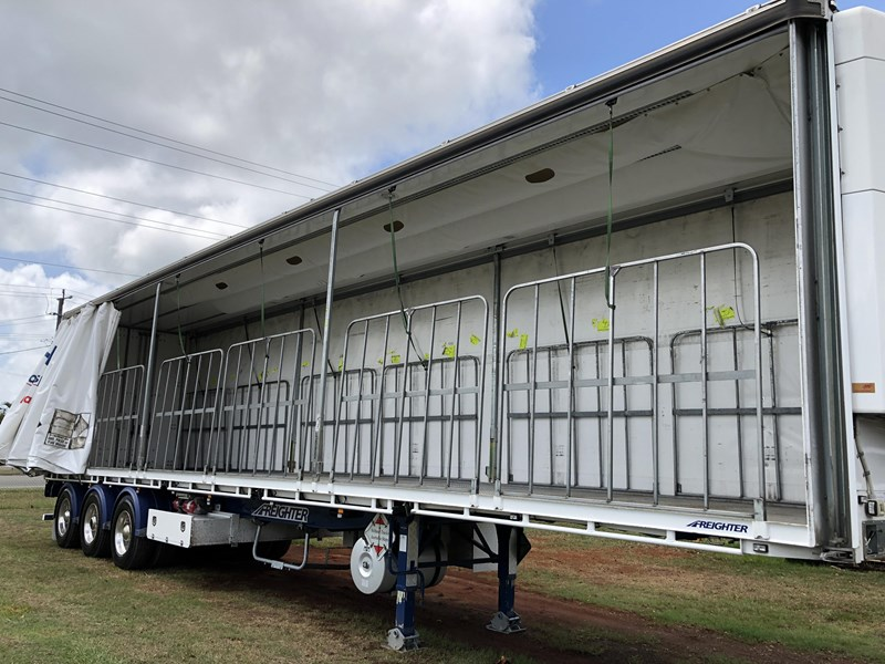 maxitrans b double refrigerated curtainsider 709533 055