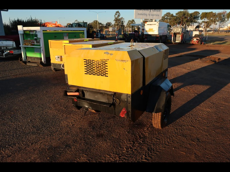 ingersoll-rand p130wd mobile diesel compressor 686209 005