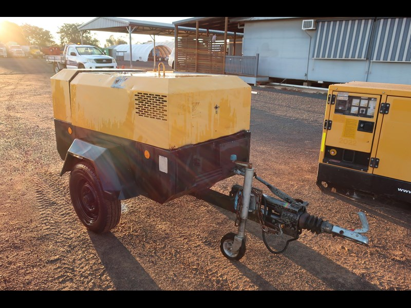 ingersoll-rand p130wd mobile diesel compressor 686209 001