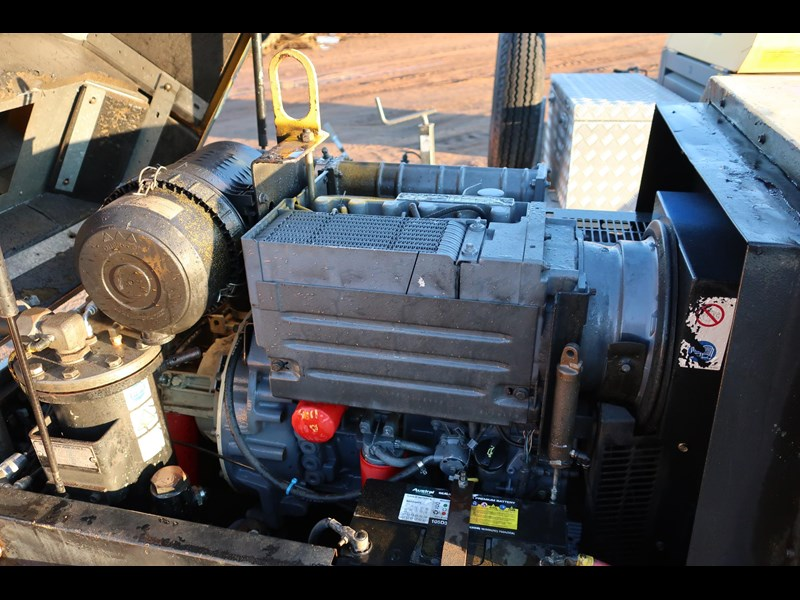 ingersoll-rand p130wd mobile diesel compressor 686209 007