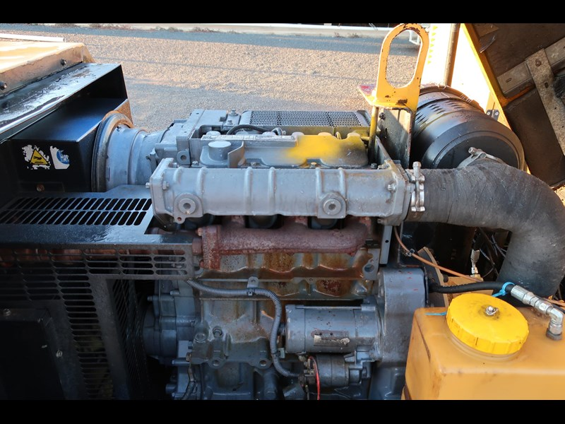ingersoll-rand p130wd mobile diesel compressor 686209 009