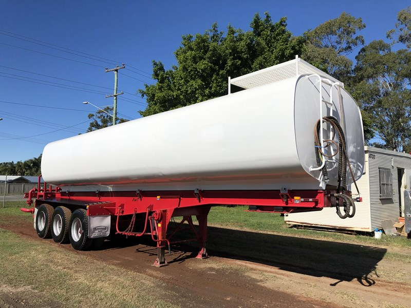 road west tri-axle water tanker 711851 001
