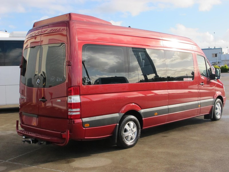 mercedes-benz sprinter 315cdi 14 seater luxury mini-coach 703076 003