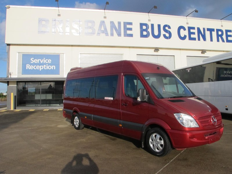 mercedes-benz sprinter 315cdi 14 seater luxury mini-coach 703076 039
