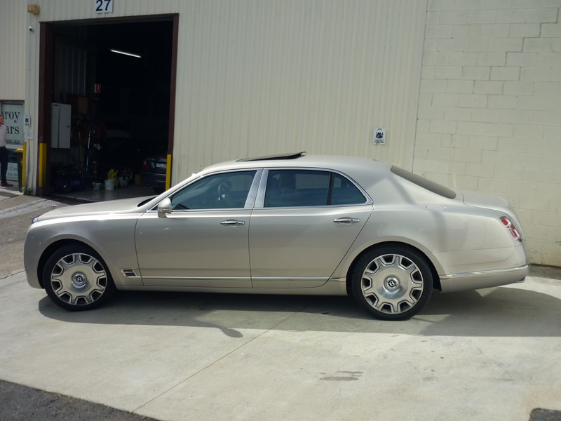 bentley mulsanne 715253 007