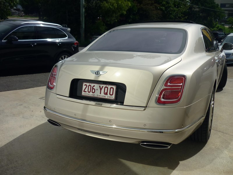 bentley mulsanne 715253 009