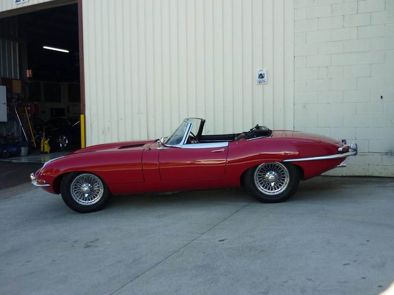 jaguar e-type 715256 007