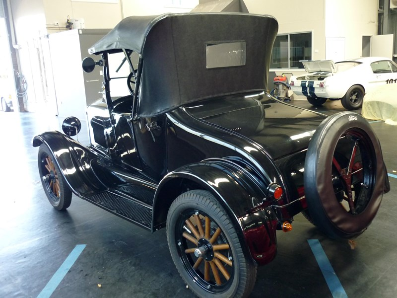 ford model t 715258 011