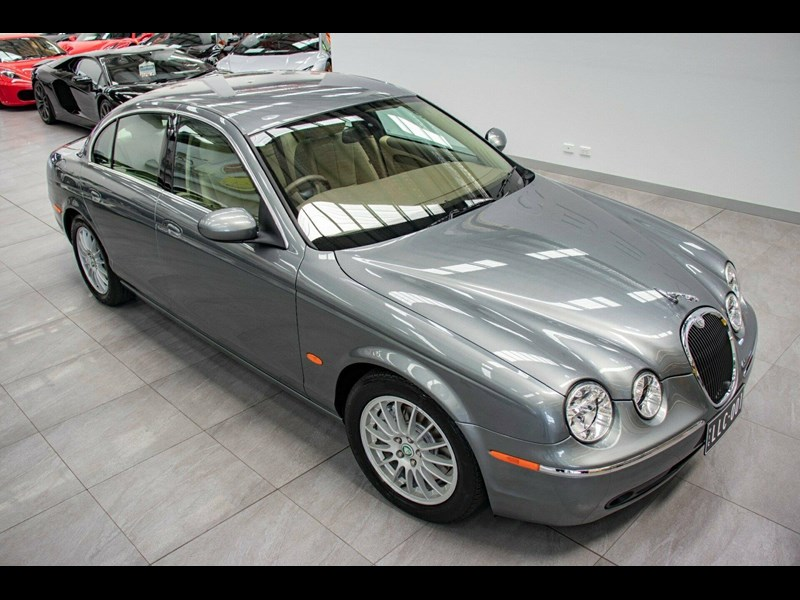 jaguar s-type 675823 003