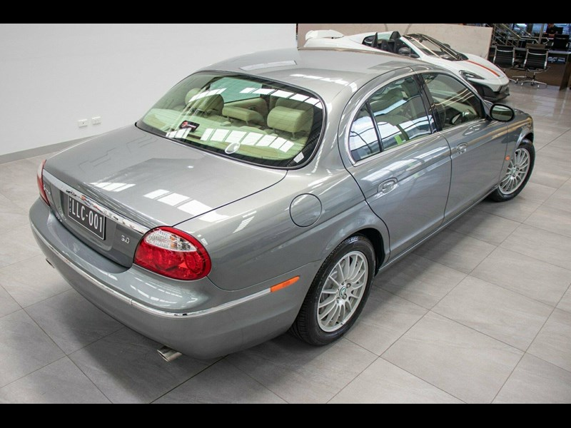 jaguar s-type 675823 013
