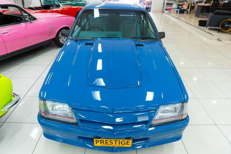 holden commodore 717238 007
