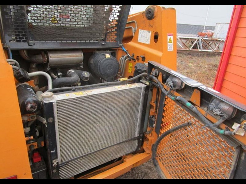 case tr270 tracked skid steer loader 717936 019
