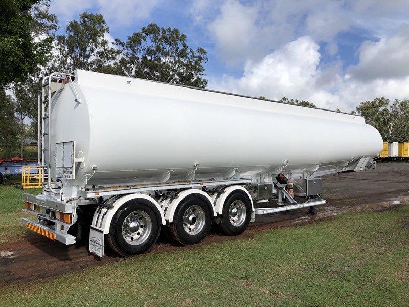 heil tri-axle fuel tanker trailer 718142 003