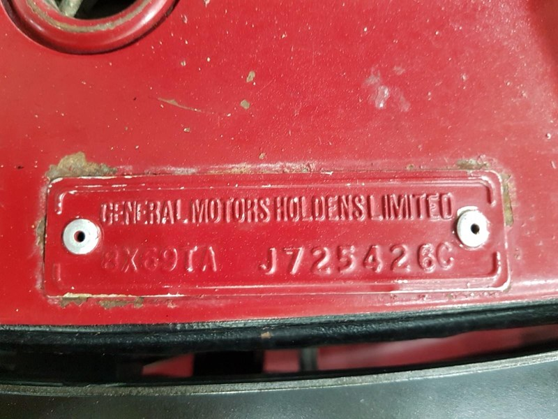holden commodore 718952 093