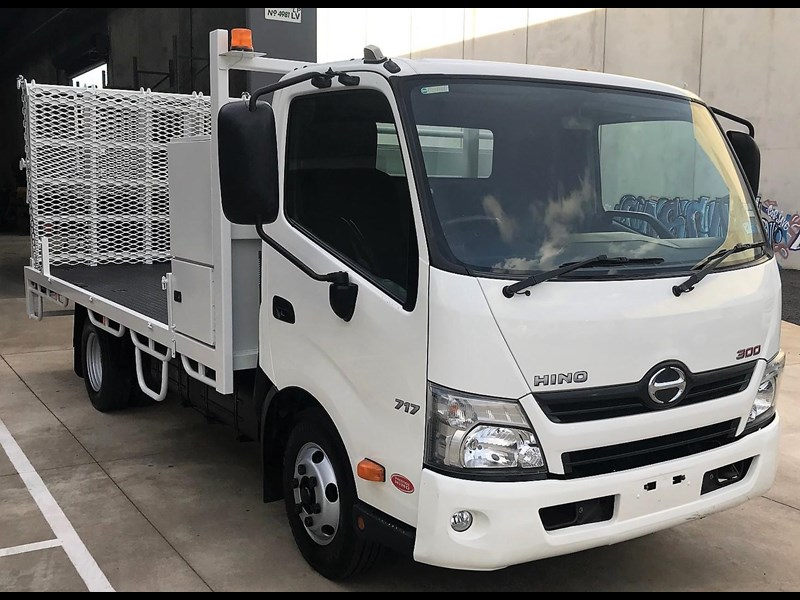 2011 HINO 300 SERIES - 717 for sale