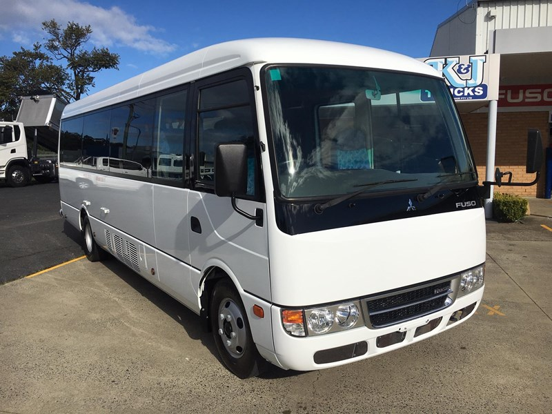 fuso rosa deluxe 25 seats 719830 001