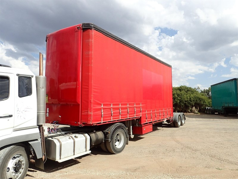 maxitrans curtainsider trailer 688610 001