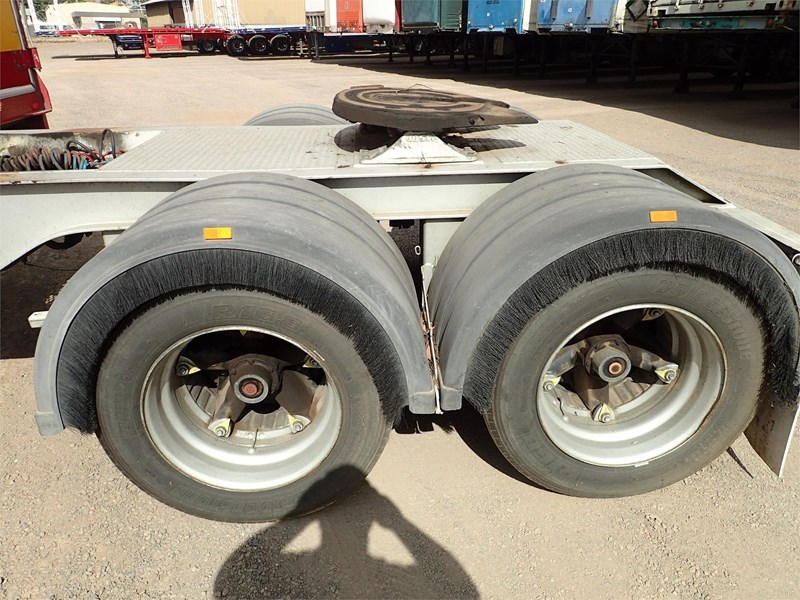 maxitrans curtainsider trailer 688610 027