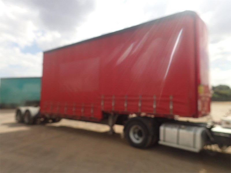 maxitrans curtainsider trailer 688610 009