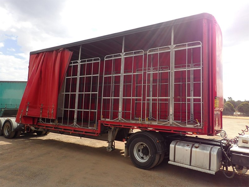 maxitrans curtainsider trailer 688610 011