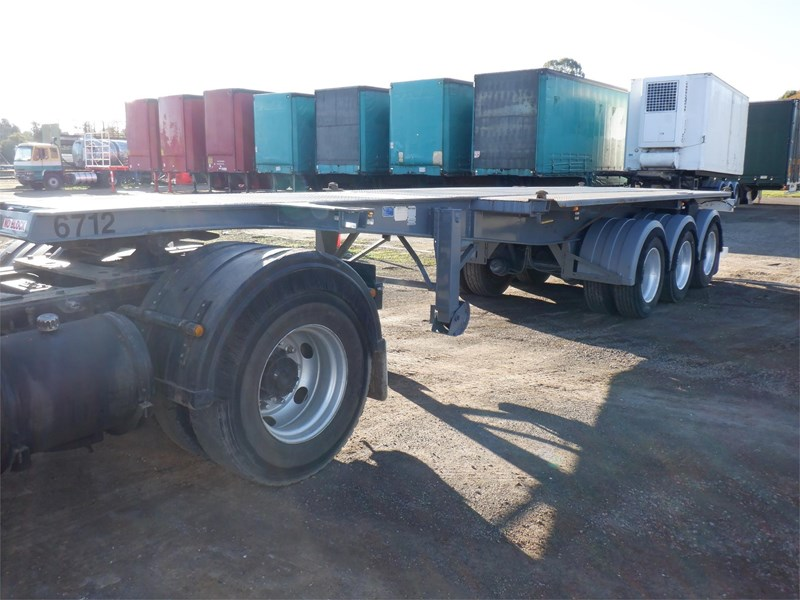 maxitrans skeletal trailer 710567 021
