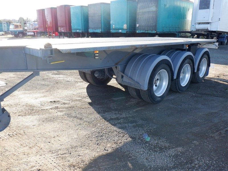 maxitrans skeletal trailer 710567 045