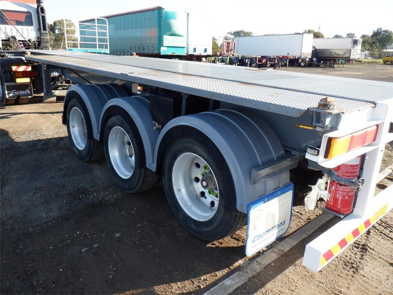 maxitrans skeletal trailer 710567 031