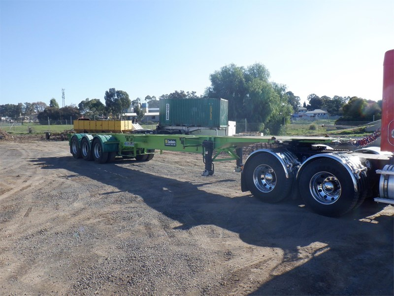 krueger skeletal trailer 717745 033
