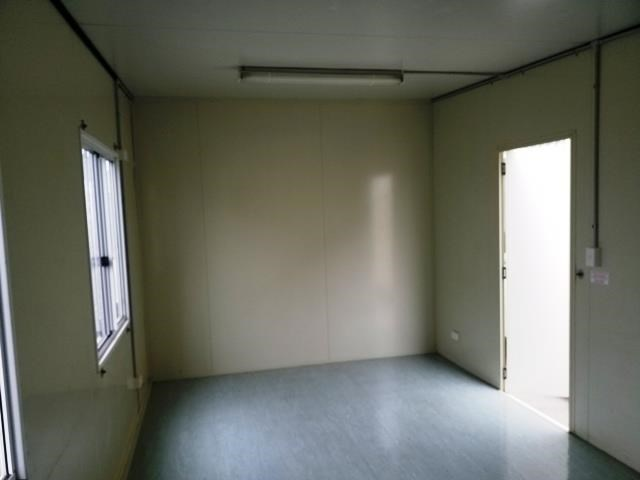 retracom 2 room 721604 011