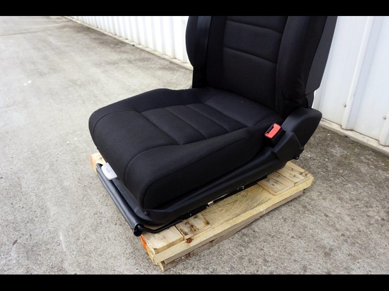 daf cf7585 drivers air seat 722226 009