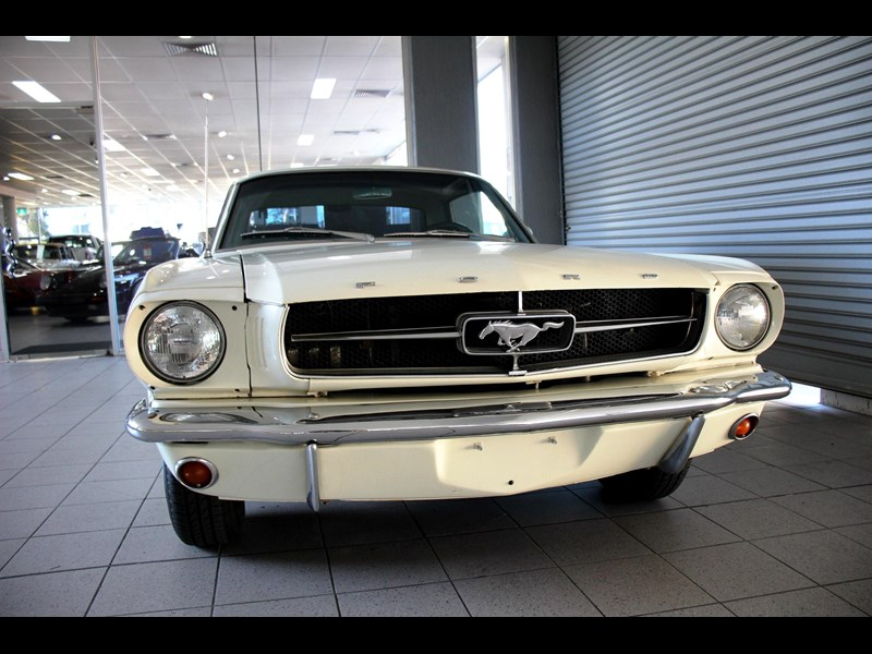 ford mustang 661163 021