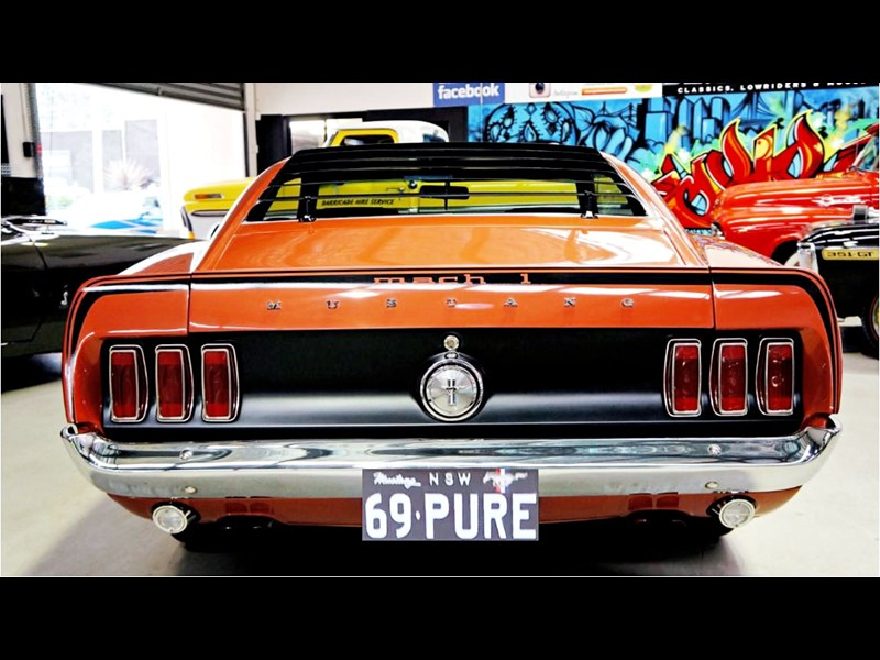 ford mustang 727208 081