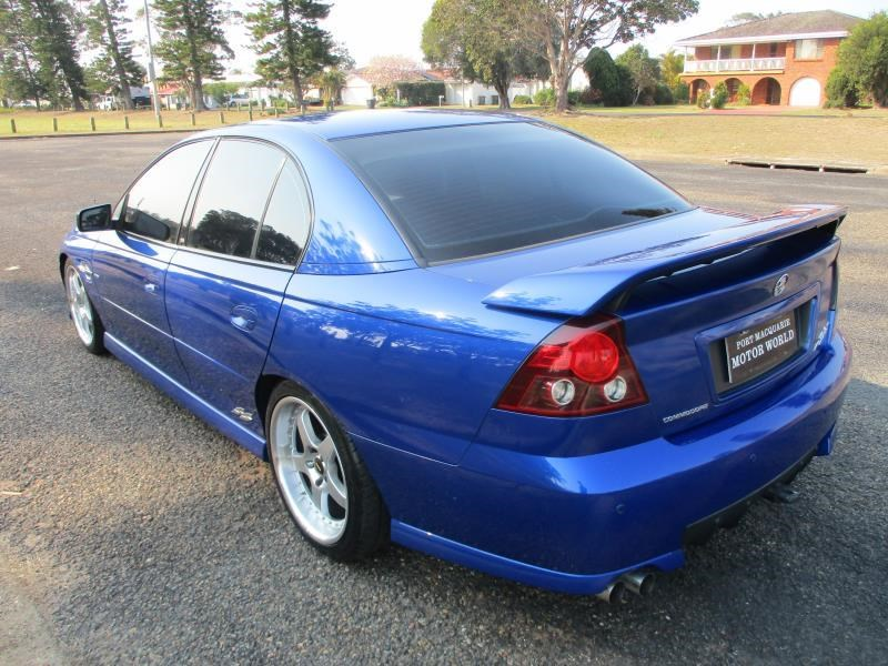 holden commodore 675326 005