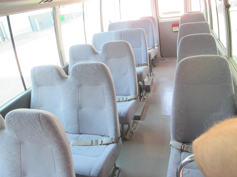 toyota coaster 50 series 21 seater bus 728738 005