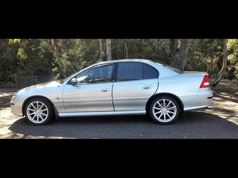 holden berlina 730181 001