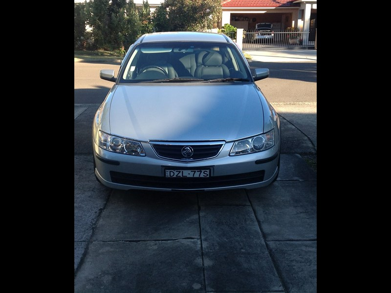 holden berlina 730181 013