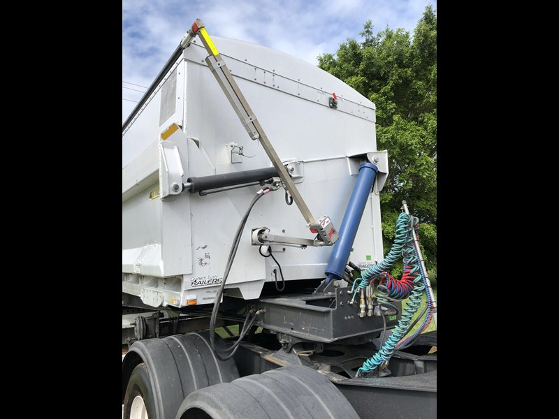 graham lusty b-double aluminium side tipper 730809 025
