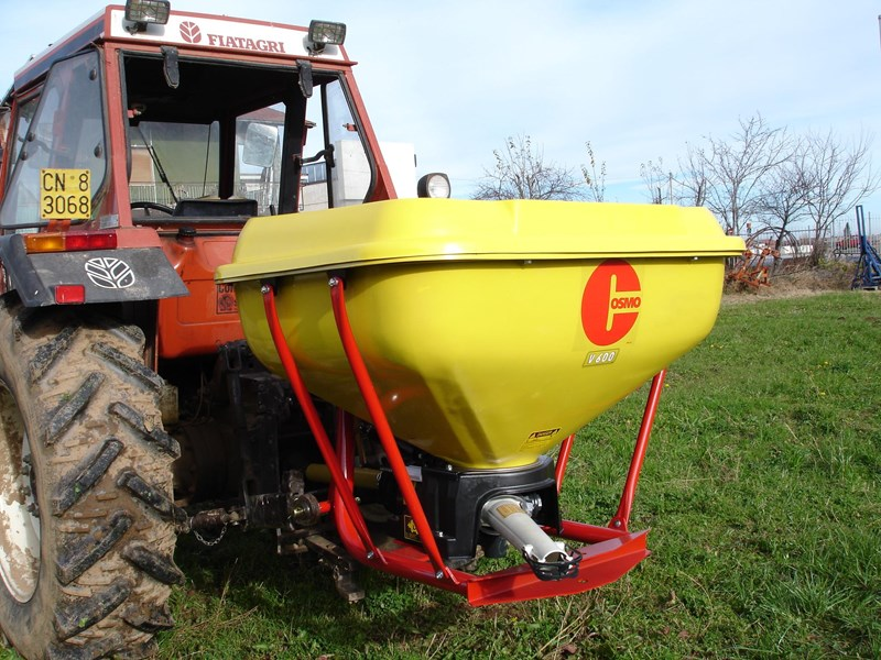 cosmo pdv series 60 pendulum fertiliser spreader 731286 003