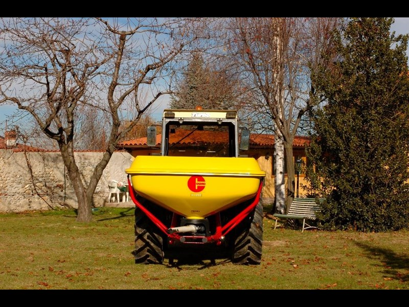 cosmo pdhv series 125 pendulum fertiliser spreader 731290 003