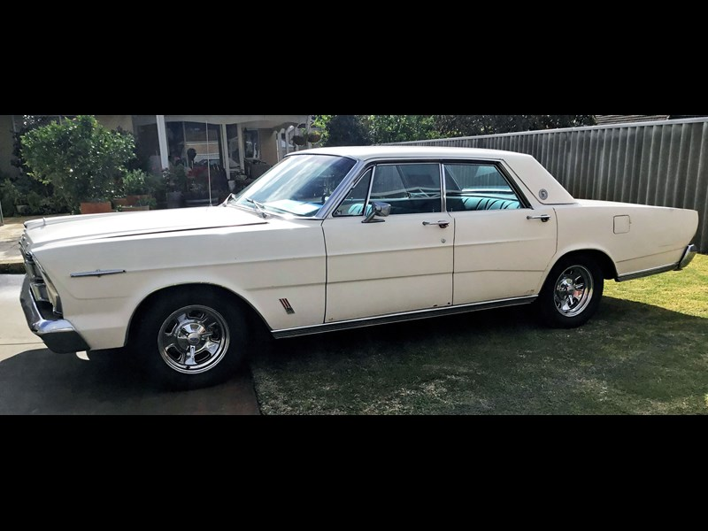 ford galaxie 733509 009