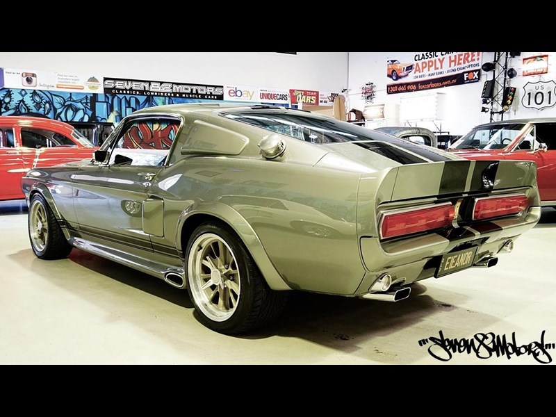 ford mustang 733055 007